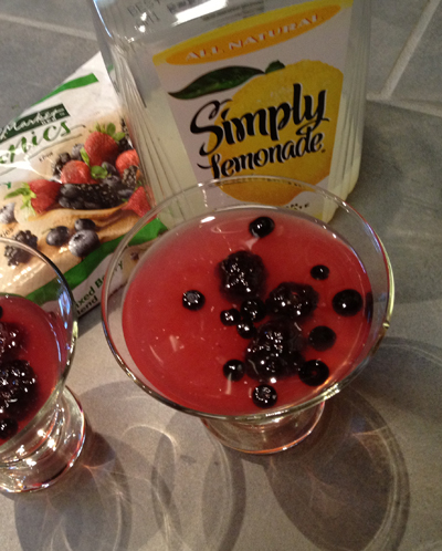 Lemonade and berries