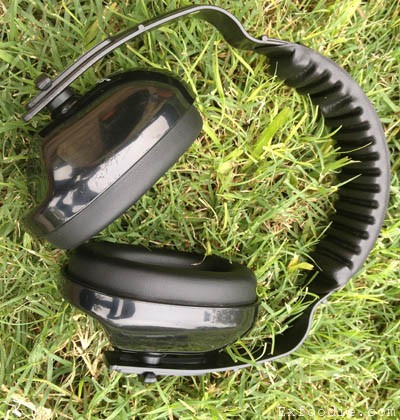 Headphones for Formula 1 Race